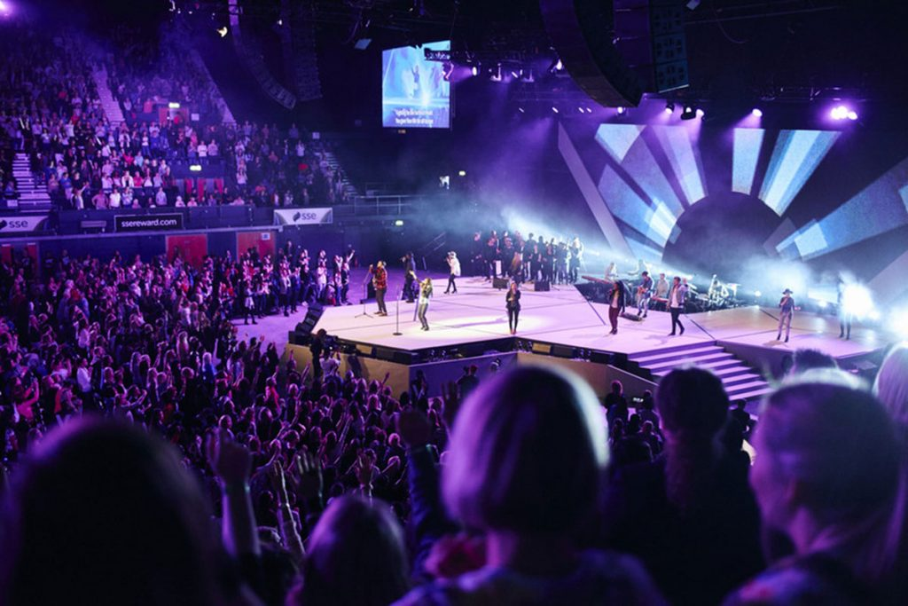 Media Structures at the Hillsong Conference in London